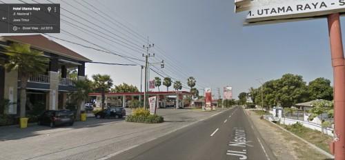 Restoran Utama Raya, Paiton. Ada SPBU, mini market, villa, mushola (Gambaran di siang hari)