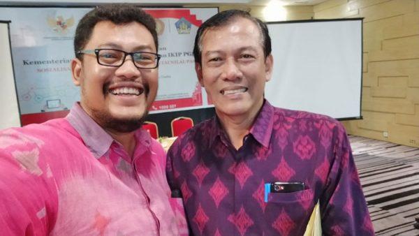 Gede Indra Kepala Dinas Koperasi dan UKM Provinsi Bali dan Hendra W Saputro